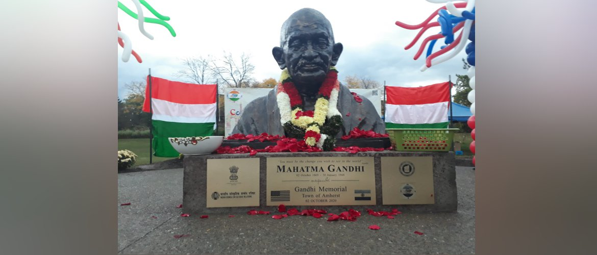 Gandhi@150: On Occasion of Gandhi Jayanti, Consul General unveiled Gandhi bust in Buffalo, New York