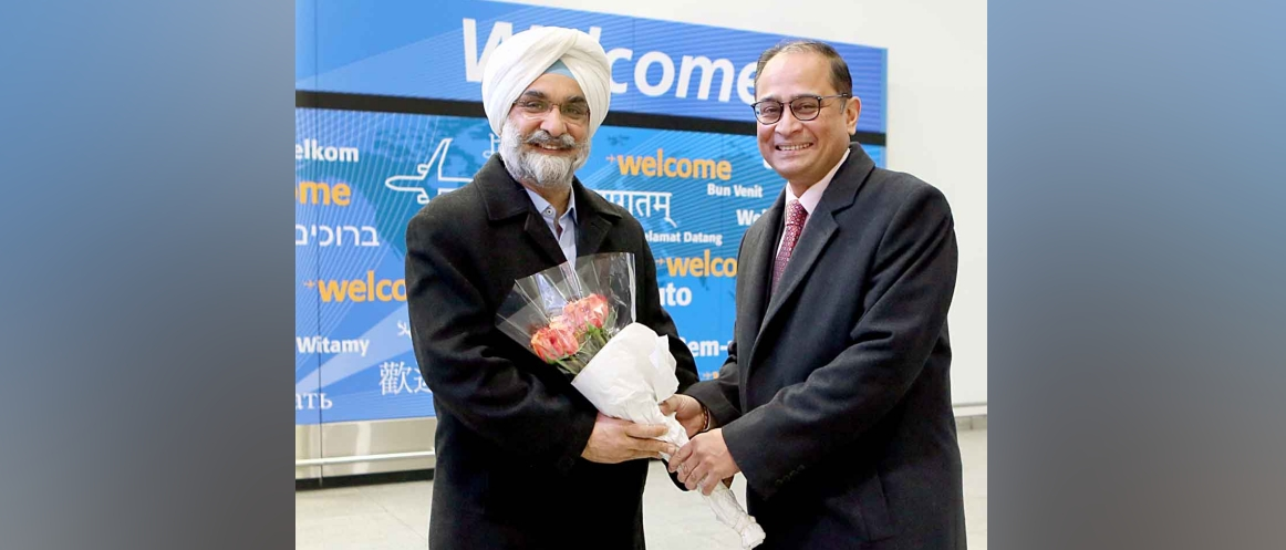 New Ambassador of India to the US, Mr. Taranjit Singh Sandhu is welcomed on arrival in New York<br />Photo Credits: JM on assignment