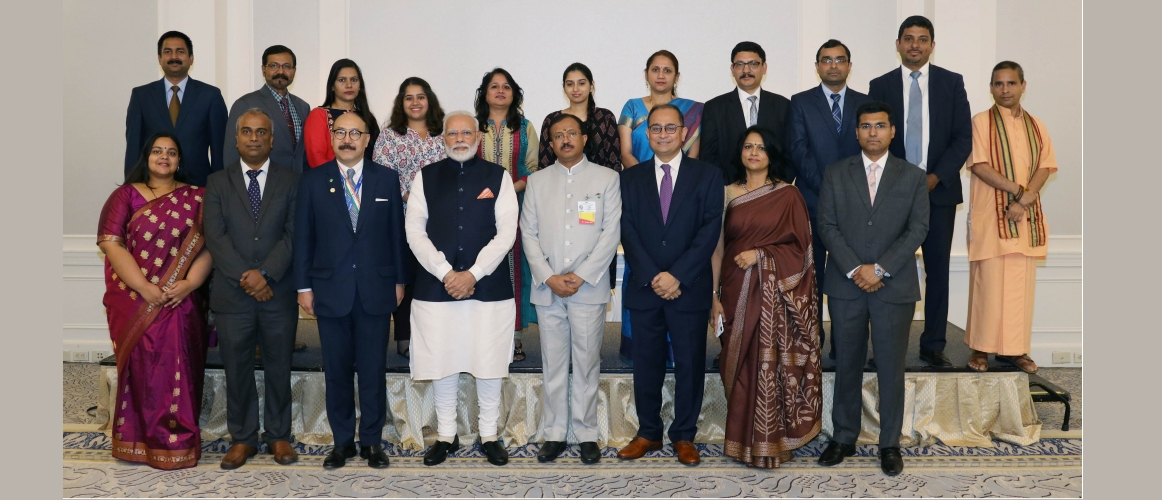 Prime Minister's Interaction with Members of the Consulate