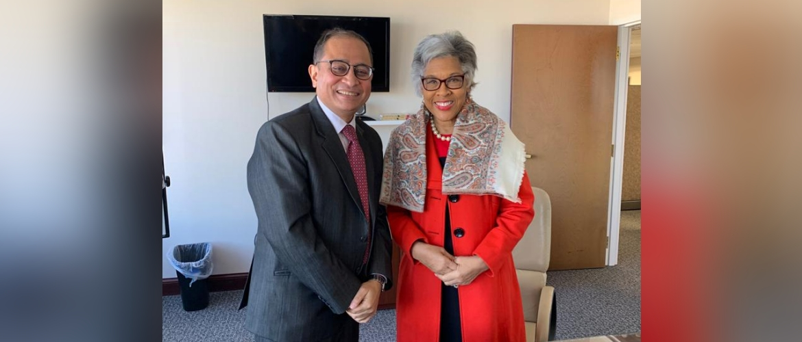 Consul General met with Congresswoman Joyce Beatty in her office at Columbus, Ohio